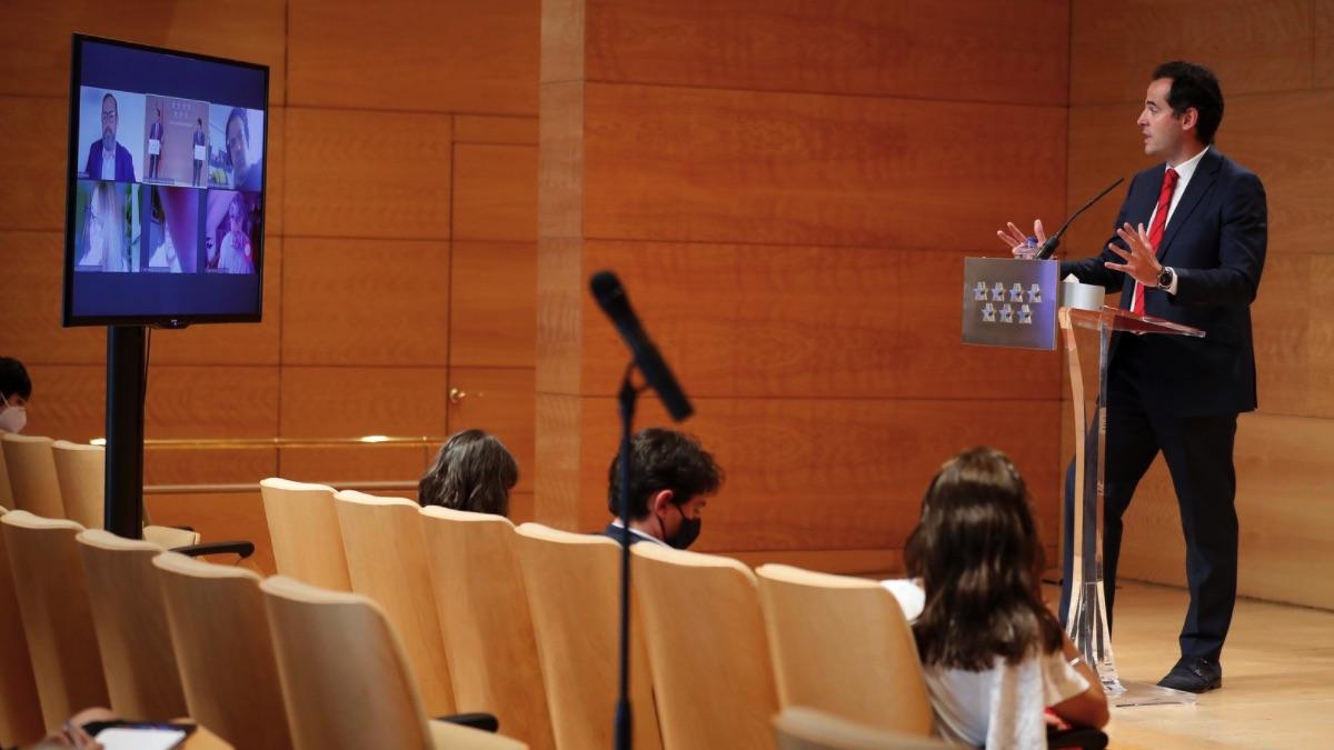 Rueda de prensa semanal del portavoz del Gobierno regional en formato semipresencial. (Foto: Comunidad)