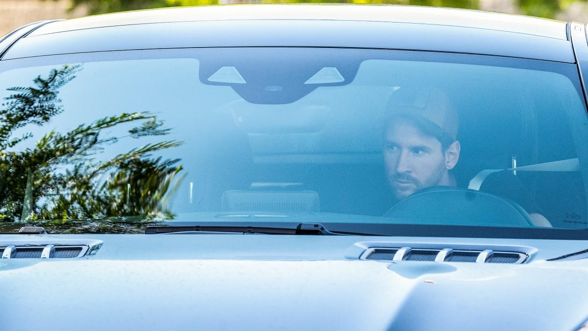 Messi llega al entrenamiento del Barcelona. (Getty)