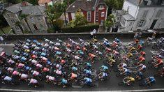 El pelotón del Tour de Francia, en el transcurso de una etapa. (AFP)