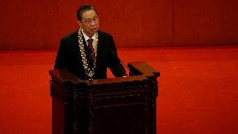 El mayor experto en medicina respiratoria de China, el doctor Zhong Nanshan, recibe el reconocimiento de «Héroe del pueblo». (Reuters)