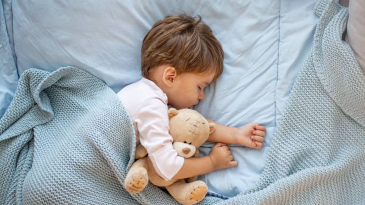 Pautas para que el bebé no se destape mientras duerme