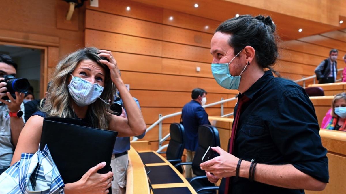 Yolanda Díaz y Pablo Iglesias en el Senado. (Foto: Pool)