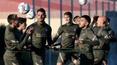 Los jugadores del Atlético, en un entrenamiento.