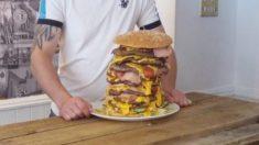 Facebook: El nuevo reto de un restaurante comerse una hamburguesa de 12 kilos en 50 minutos