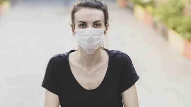 ¿Se puede desinfectar la mascarilla en el microondas?