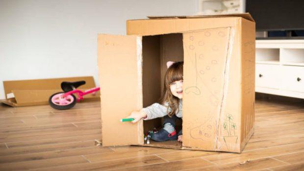 Cómo construir una casa de juegos para que jueguen los niños