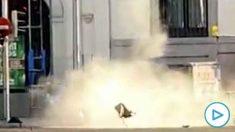 Momento de la explosión controlada de una mochila sospechosa en el Metro de Rubén Darío. (Foto: UFP)