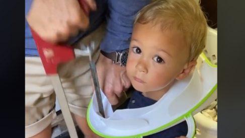 TikTok: Rescata a su hijo después de quedar atrapado en un inodoro portátil
