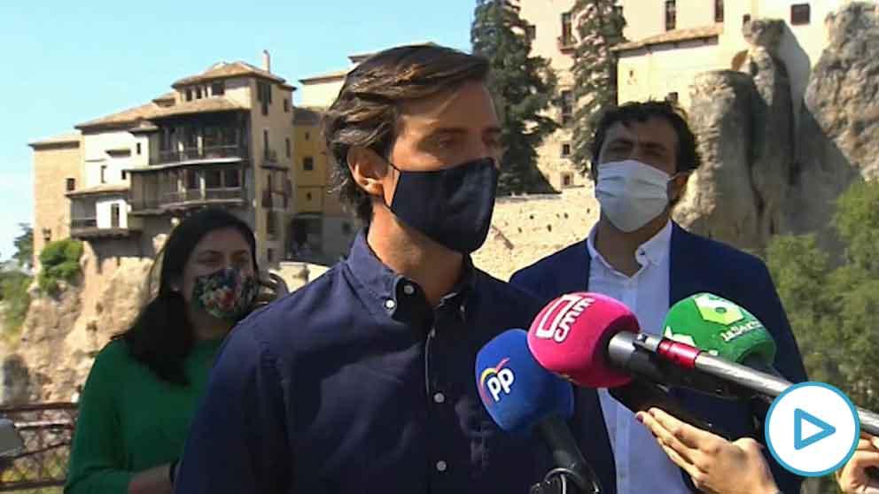 El vicesecretario de Comunicación del PP, Pablo Montesinos, este domingo, en Cuenca. (Foto: Europa Press)