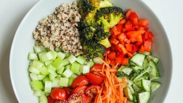 Pastel salado de pavo con verduras y frutos secos