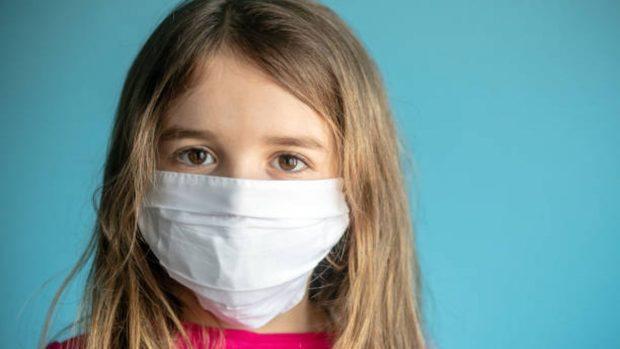 """¿Qué mascarillas no deben llevar los niños según la OCU"""""""