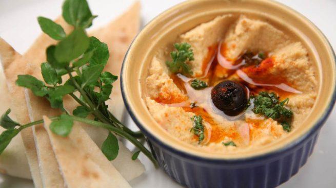 Hummus vegetales para aderezar ensaladas