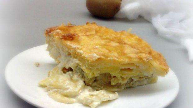 Gratín de patata y cebolla, con nata y Gruyère
