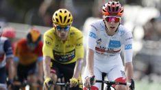 Primoz Roglic y Pogacar durante la etapa 16 del Tour de Francia 2020. (AFP)