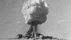 El 22 de septiembre de 1949, la Unión Soviética explota su primera bomba nuclear