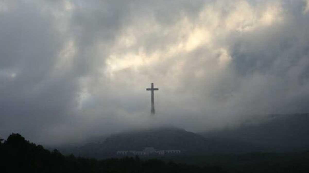 La cruz que se levanta en el Valle de los Caídos.