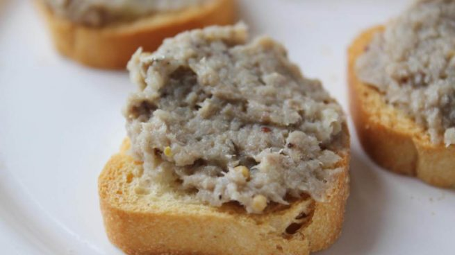 Paté de aceitunas y sardinas en el microondas