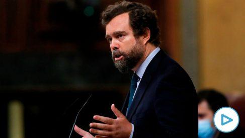 El portavoz de Vox en el Congreso, Iván Espinosa de los Monteros, en el Pleno de la Cámara. (Foto: EFE)