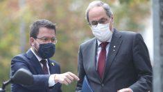 Acompañado por el vicepresidente, Pere Aragonès (i), el presidente de la Generalitat, Quim Torra, llega al Tribunal Supremo (TS), en Madrid. (Foto: Europa Press)