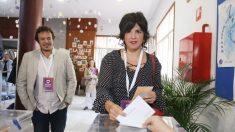 La presidenta de Adelante Andalucía y coordinadora de Podemos Andalucía, ejerce su derecho al voto ,