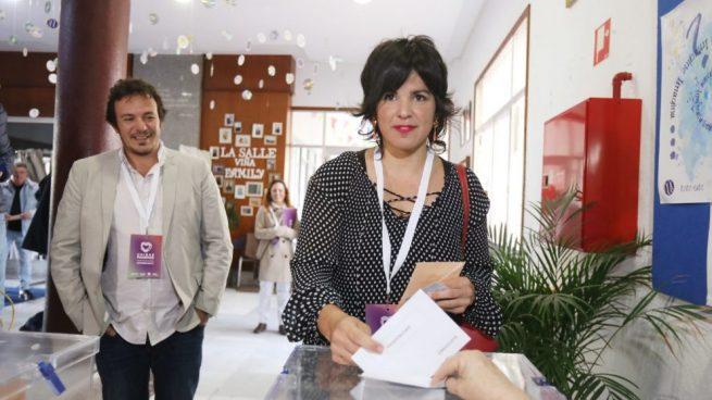 Kichi coge 12 semanas de baja por paternidad en plena pandemia y Teresa Rodríguez le defiende: «Tiene derecho a 20»