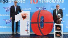 El presidente de la ACB, Antonio Martín, junto al consejero delegado de Endesa, José Bogas