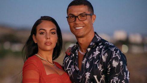 Georgina Rodríguez y Cristiano Ronaldo durante las vacaciones.