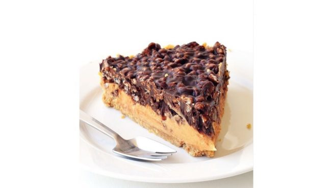 Receta de tarta de crujiente de chocolate y cacahuete sin horno