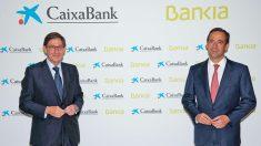 Jose Ignacio Goirigolzarri y Gonzalo Gortázar, presidente y consejero delegado de la futura Caixabank.