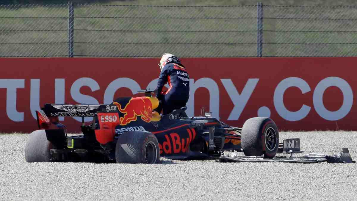 Max Verstappen abandonar durante el Gran Premio de la Toscana. (AFP)