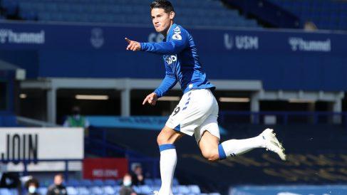 James celebra un gol con el Everton. (Getty)