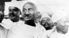 El 26 de septiembre de 1932 Gandhi finaliza su décima huelga de hambre
