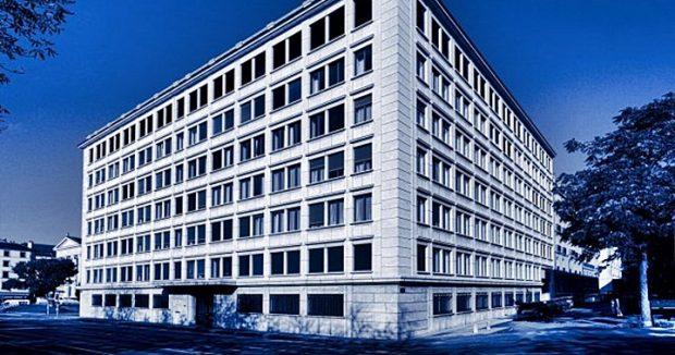Fachada del Banco Mirabaud en Ginebra (Suiza).