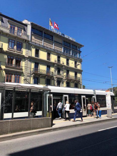 El despacho del abogado Arturo Fasana se encuentra en la última planta de este edificio de Ginebra (Suiza).