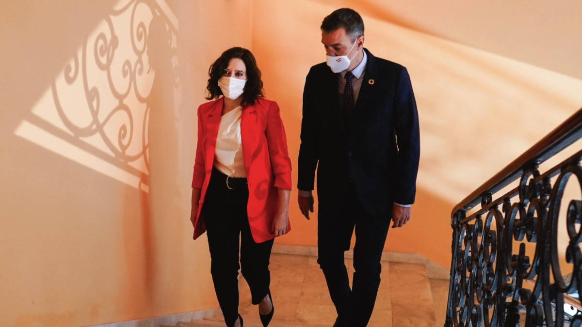 Pedro Sánchez junto a Isabel Díaz Ayuso. (Foto: Comunidad)