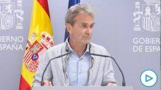 Fernando Simón reaparece ante la prensa en el Ministerio de Sanidad tras grabar su 'Planeta Calleja'.