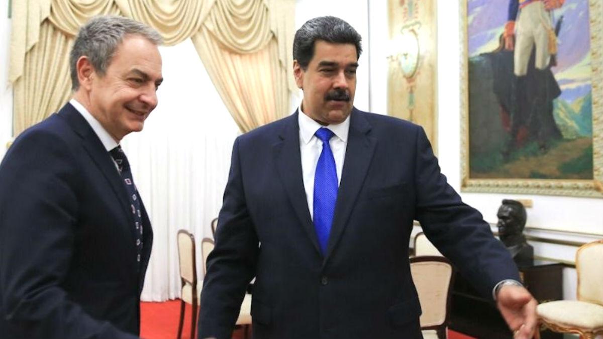 El ex presidente del Gobierno, José Luis Rodríguez Zapatero, juntado al dictador venezolano Nicolás Maduro. (Foto: Europa Press)