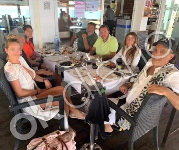 El socialista Óscar Puente despide el verano en Formentera en un yate de dos millones