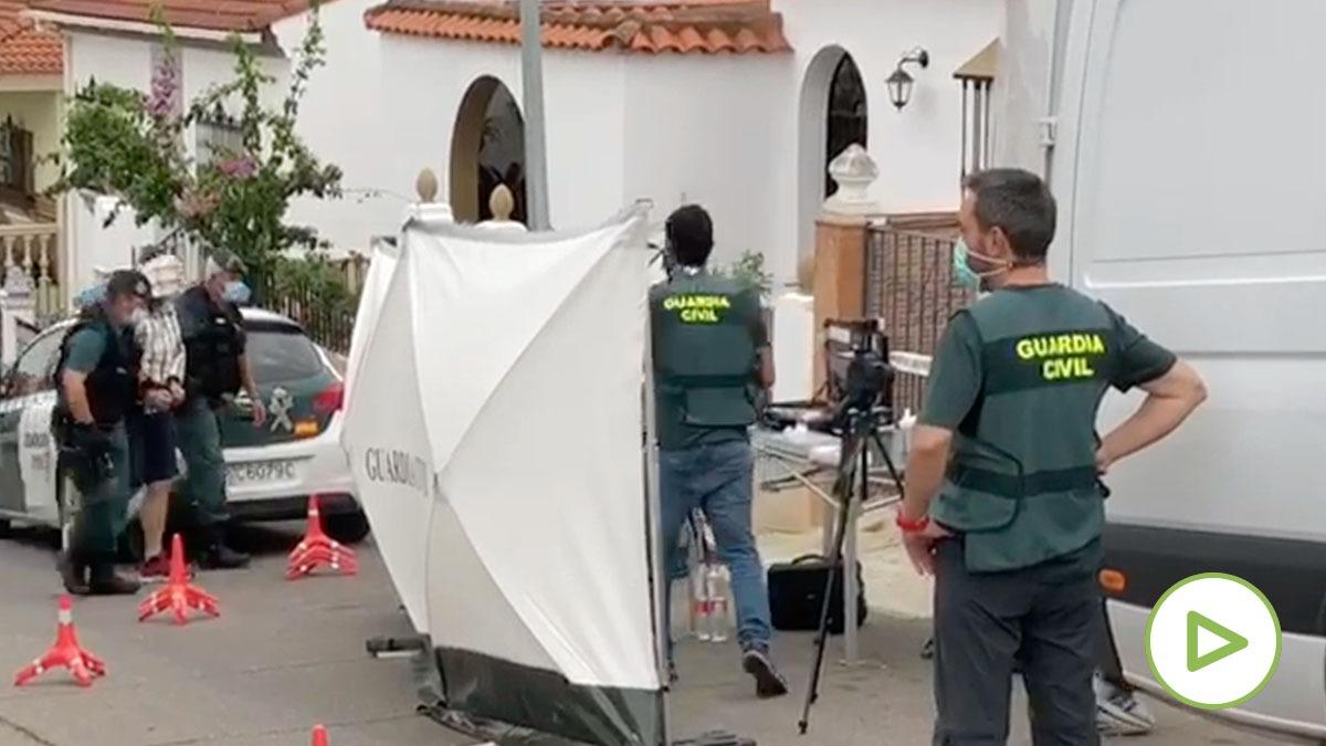 Dispositivo de la Guardia Civil en casa del presunto asesino de Chavero.
