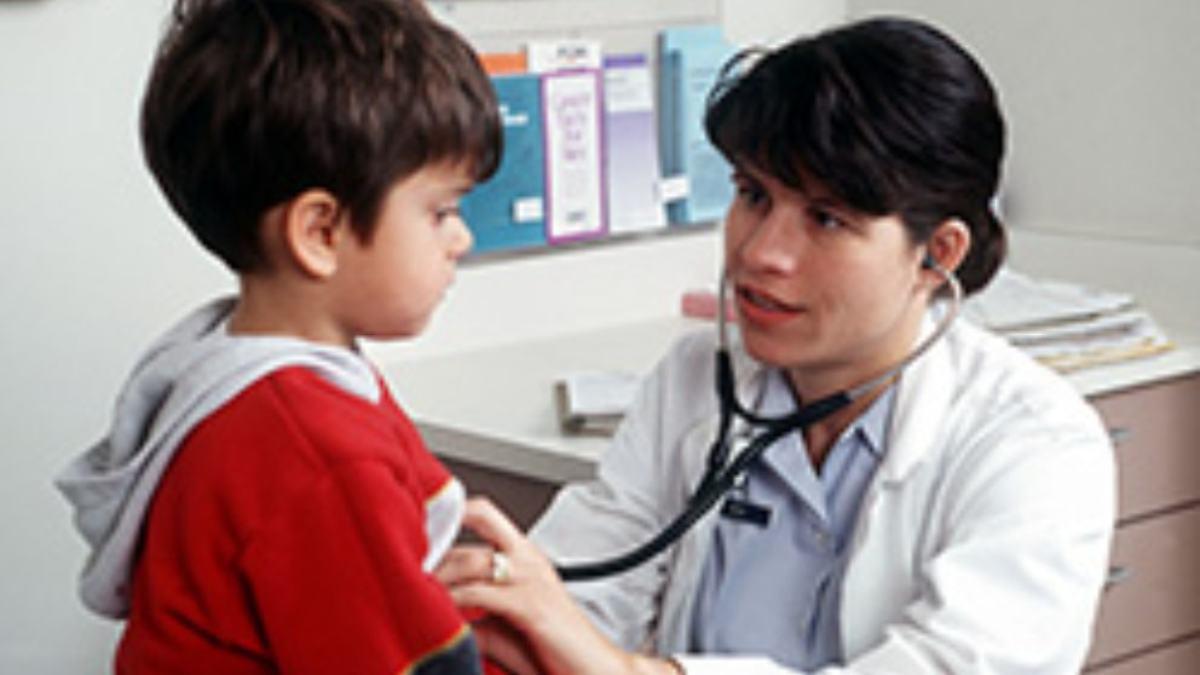 Medidas de la vacuna de la gripe en niños y adolescentes, según los pediatras