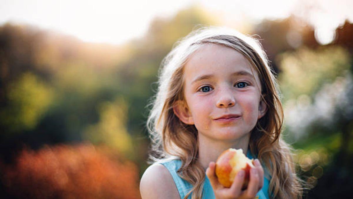 Descubre que alimentos ayudan en el desarrollo del cerebro en los niños