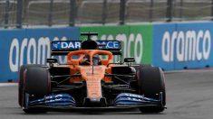 Carlos Sainz durante la clasificación para el Gran Premio de Rusia. (AFP)