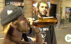 Jóvenes extranjeros insultan a la prensa por grabarles haciendo botellón en Barcelona