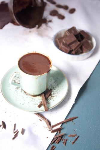 Receta de chocolate a la taza sin azúcar ni lactosa
