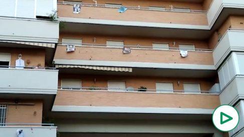 Bloque de viviendas donde se sitúa el piso de prostitutas de Sevilla.