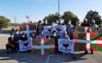 El etarra Rufino Arriaga sale de la cárcel de Sevilla homenajeado y alabado como un héroe