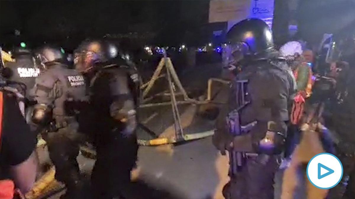 Los CDR revientan los accesos de la Ciudadela para protestar frente al Parlament
