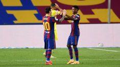 Ansu Fati y Leo Messi celebran uno de los goles ante el Villarreal. (Getty)