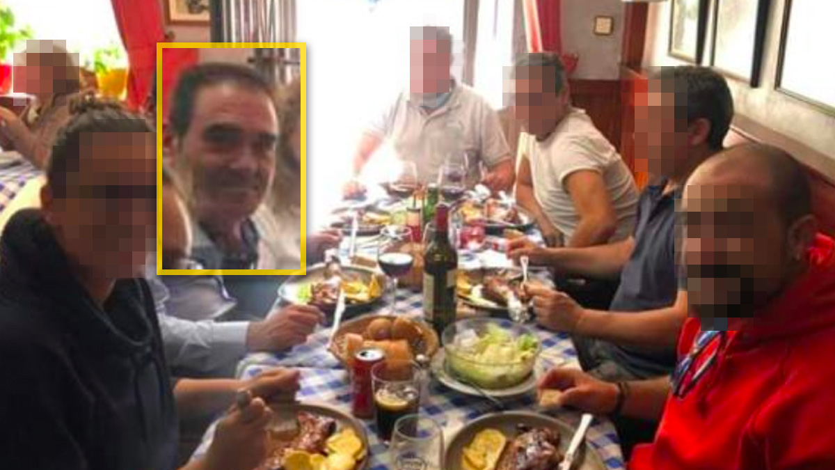 El ex alcalde de Collado Villalba degustando la comida.