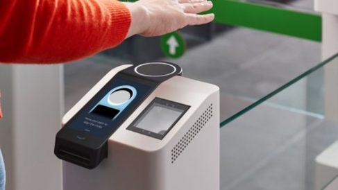 Así es Amazon One, el sistema de pago de Amazon a través de la palma de la mano / Foto: Amazon